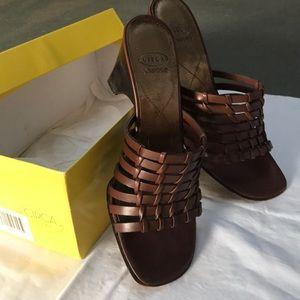 Circa Joan & David brown leather sandals
